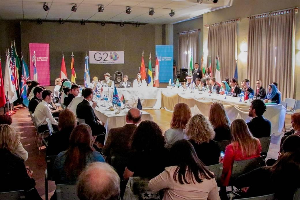 En la imagen se observa un aspecto de la simulación estudiantil del G20 en nuestra ciudad.