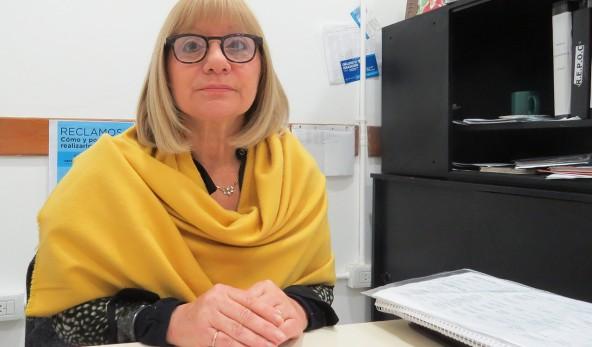 En la imagen se observa a Cristina Cavallo, directora de relaciones con la comunidad del municipio.