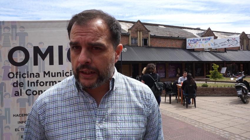 En la imagen se observa al director general de defensa del consumidor y usuario del municipio, Dr. Fernando Scanavino.