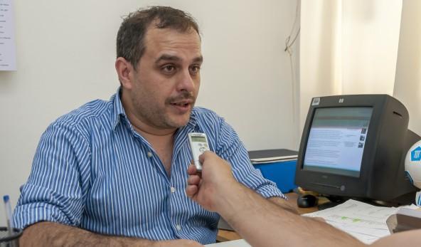 En la imagen se observa al Dr. Fernando Scanavino, titular de la dirección general de defensa de los derechos del consumidor y usuario.