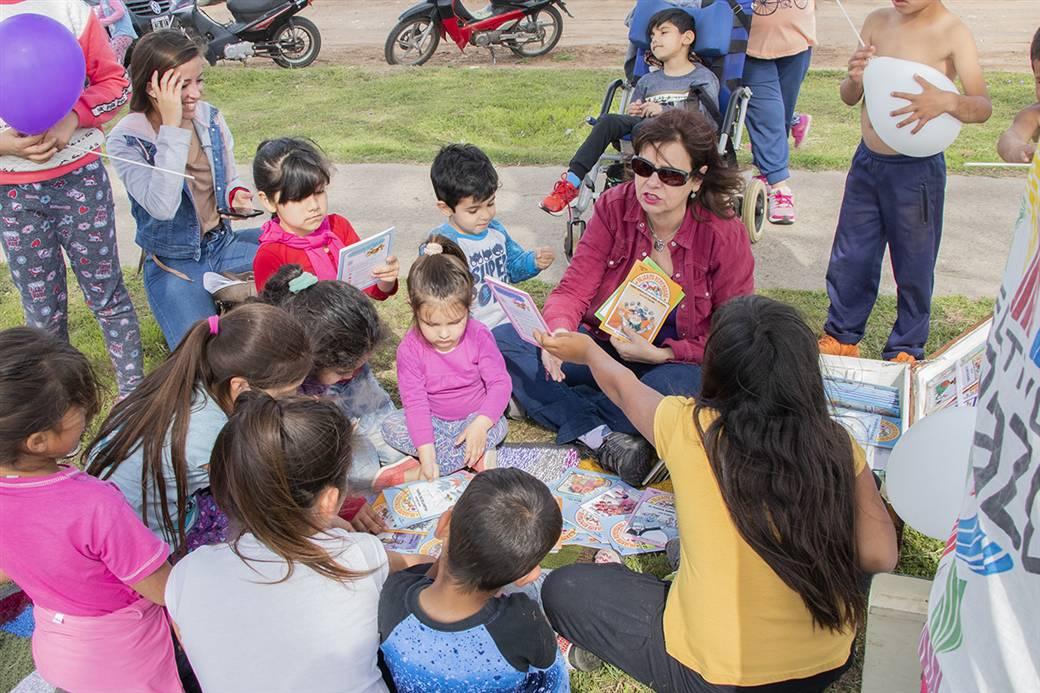 En la imagen se observa a niños del Cuadrante Noroeste participando de unas de las actividades desarrolladas para celebrar el Día Mundial del Hábitat.