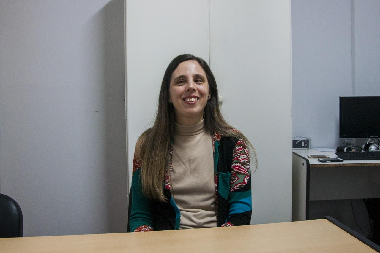 En la imagen se observa a la directora para personas con discapacidad, Dra. Karina Sánchez.